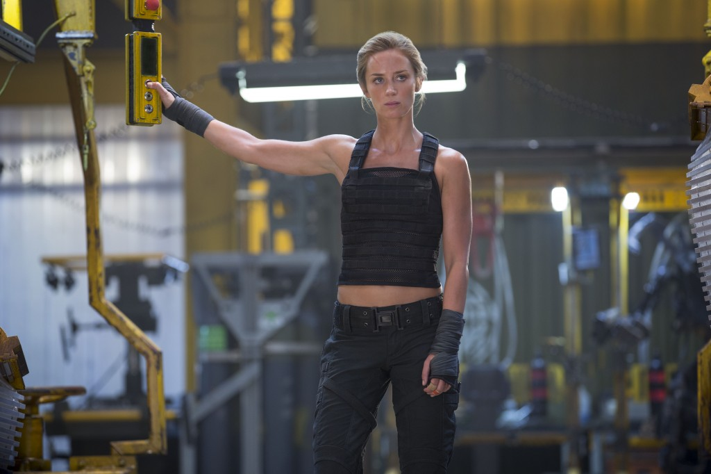 Edge-Of-Tomorrow-staring-Emily-Blunt-Photo-Copyright-Warner-Bros-Entertainment-Inc-David-James-Doug-Liman-Interview-by-Creative-Mapping