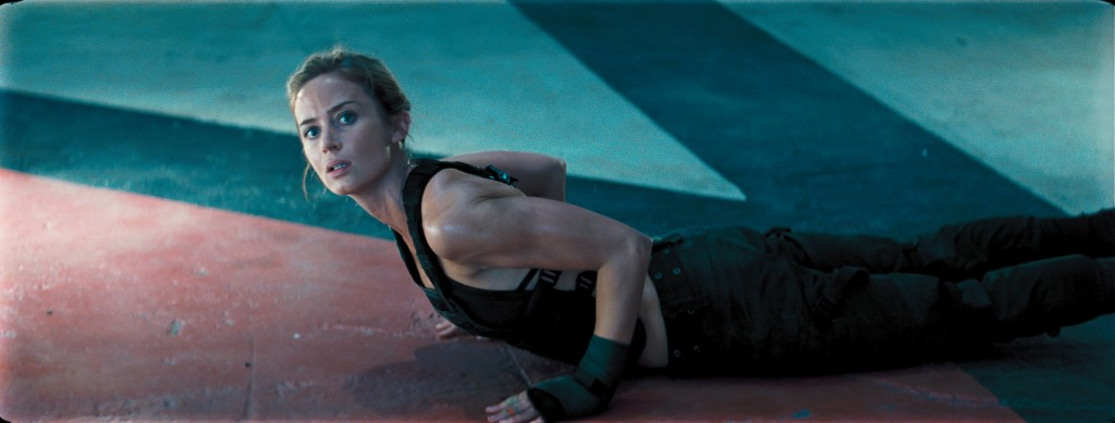 Edge-Of-Tomorrow-wit-Actress-Emily-Blunt-Photo-Copyright-Warner-Bros-Entertainment-Inc-David-James-Doug-Liman-Interview-by-Creative-Mapping