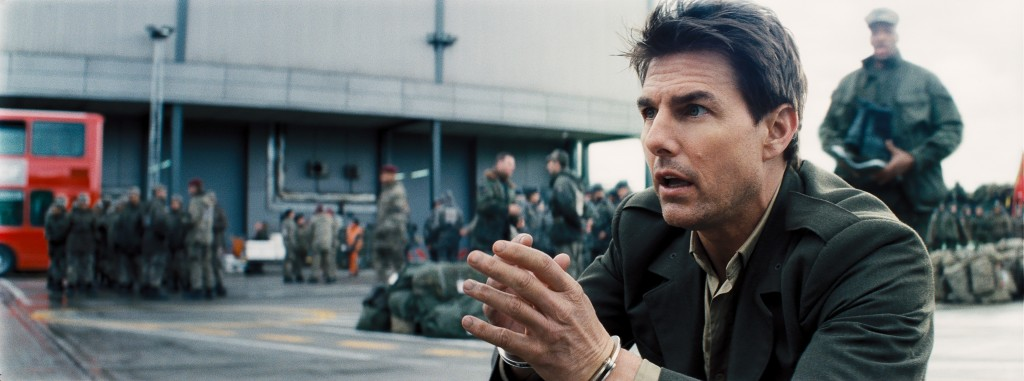 Edge-Of-Tomorrow-with-Tom-Cruise-Photo-Copyright-Warner-Bros-Entertainment-Inc-David-James-Doug-Liman-Interview-by-Creative-Mapping