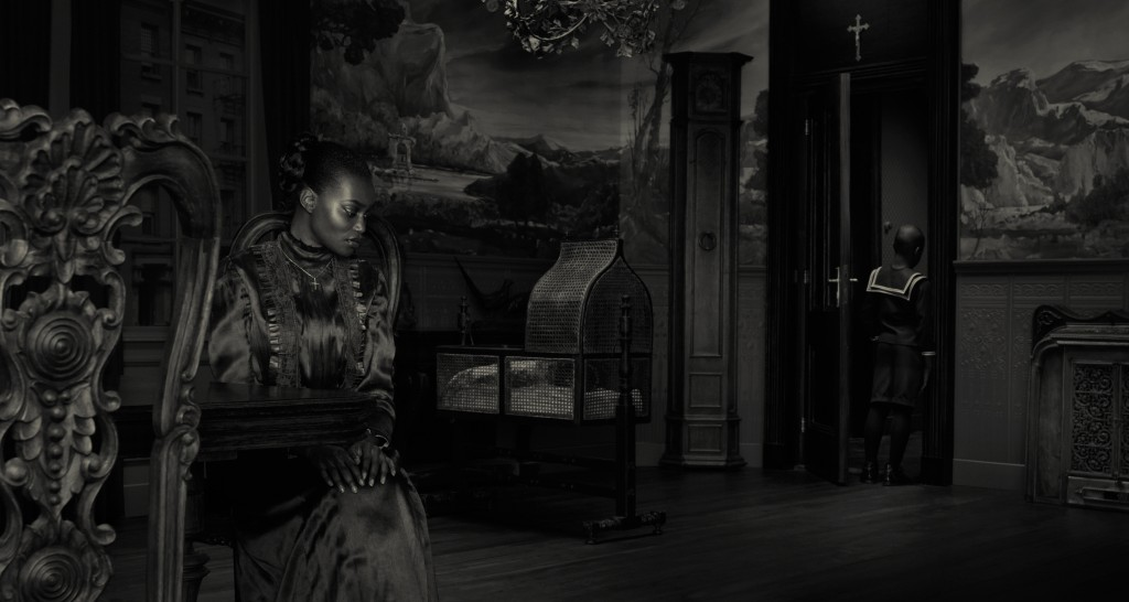 Erwin-Olaf-Dusk_The-Mother_2009-Review-Creative-Mapping-Les-Rencontres-dArles