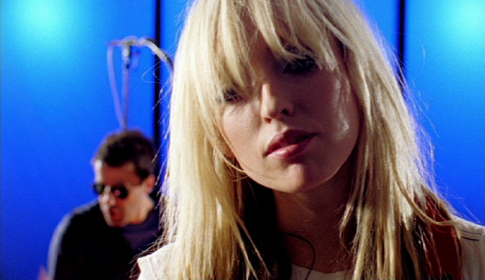 The-Ting-Tings-Thats-Not-My-Name-music-video-directed-by-DAvid-Allain-Interview-with-Creative-Mapping