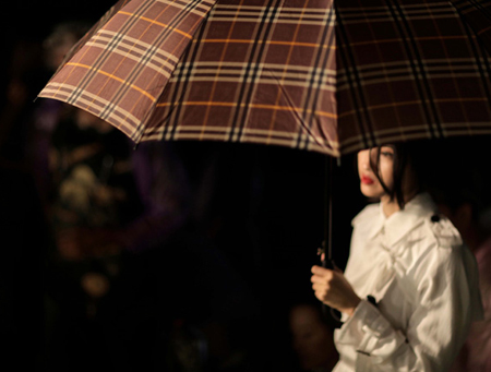 ASKA-HOLD-ON-FOR-PHILLIP-LIM-AND-LANE-CRAWFORDS-AFTER-DARK-BEIJING-DIRECTED-BY-RAIN-LI-BEHIND-THE-SCENES-interview-with-Rain-Li-by-Creative-Mapping