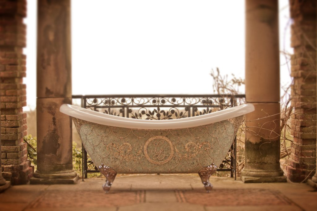 luxurymade_graceoflondon_bath1