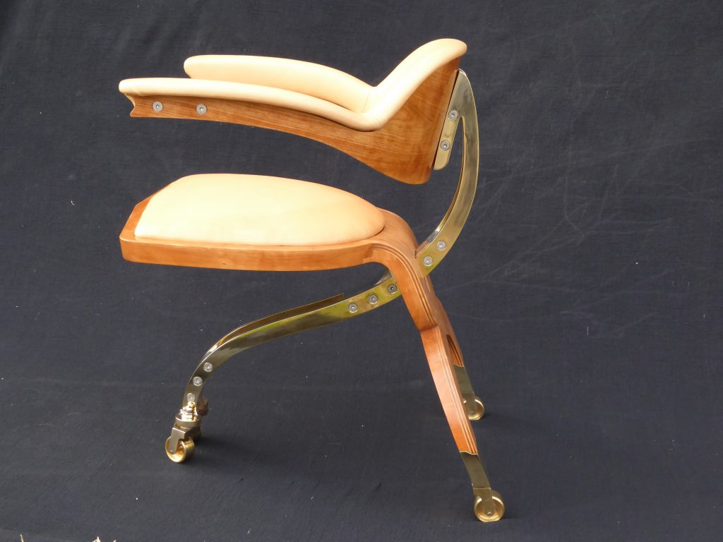luxurymade_sebastian-blakeley-design-reuni%c2%a2ne-chair-side