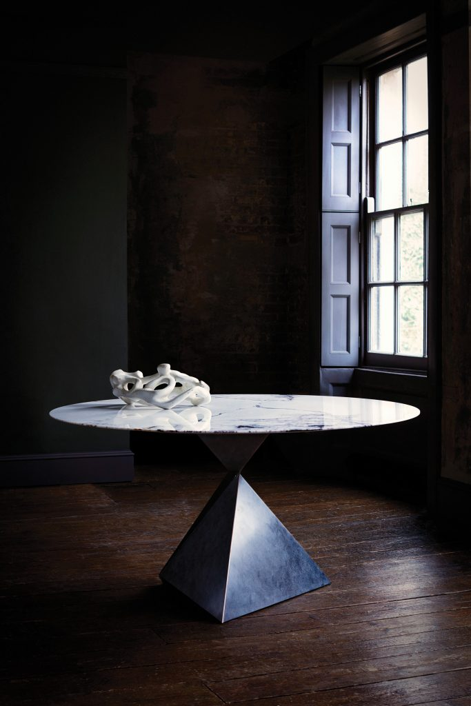 luxurymade_tomfaulkner-ava-dining-table
